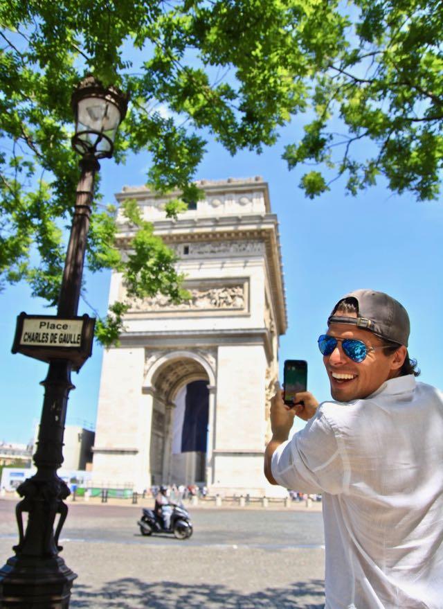 selfie at champs elysees arc de triom