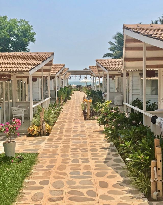 the white resort agonda beach 4