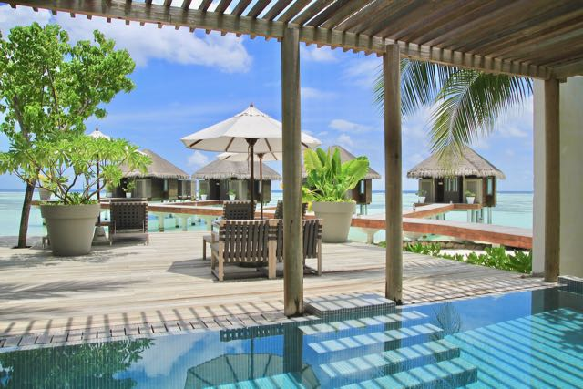best luxury hotels in maldives 23
