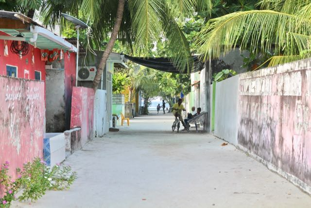 travel to fulidhoo maldives 1