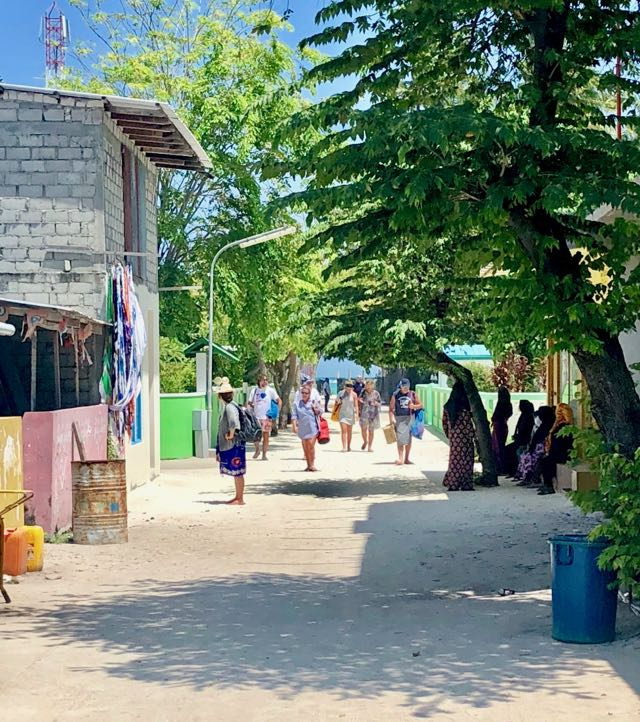 travel to fulidhoo maldives 3