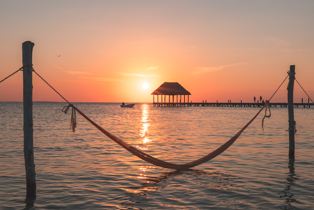 how much does it cost to travel to isla holbox