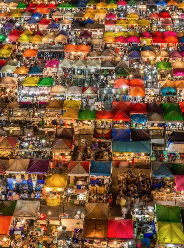 places to see local markets in thailand