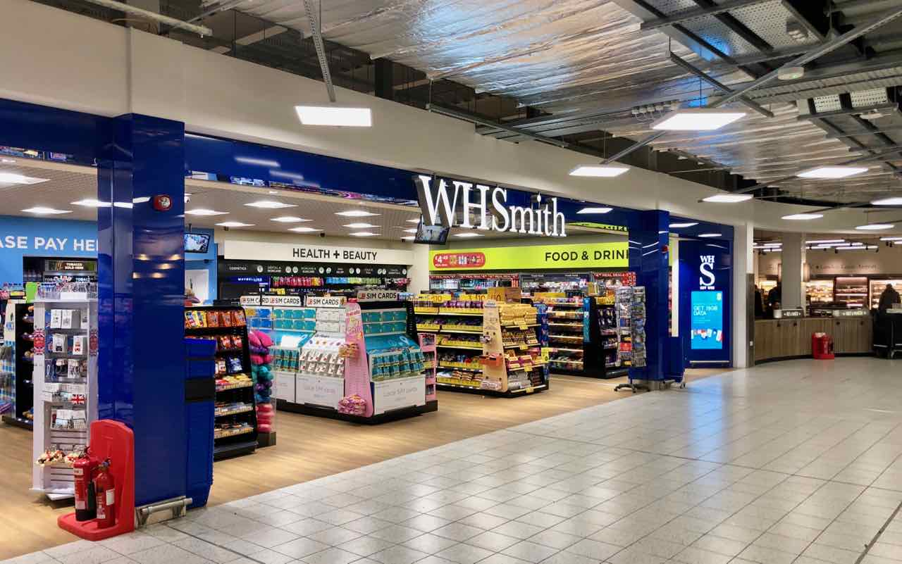 wh smith luton airport