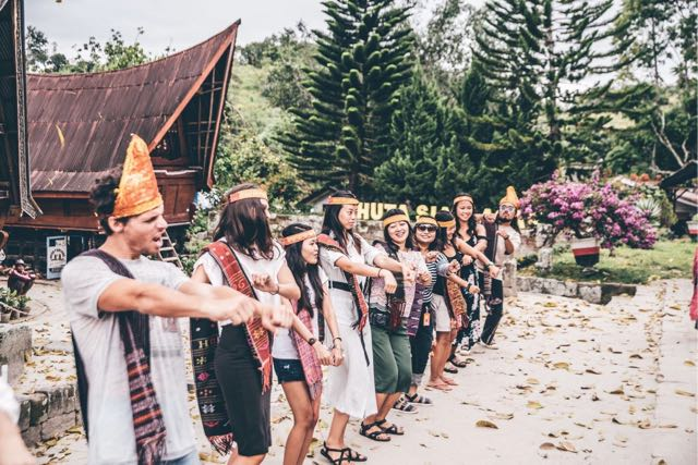 batak culture lake toba 2