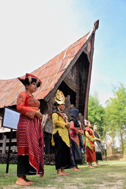 batak culture lake toba 4